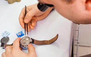 Как поменять батарейку в наручных часах?