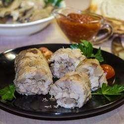 Свиная колбаса с курином филе в фольге в духовке