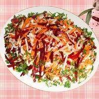 Салат Красавица из свежих овощей