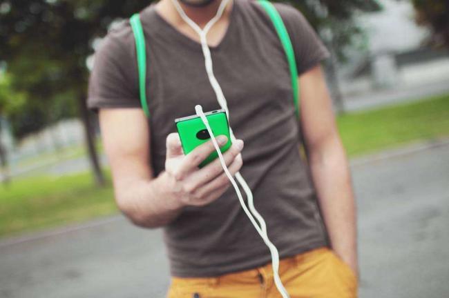 headphones-man-music-7427.jpg