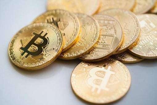 Монетки биткоин