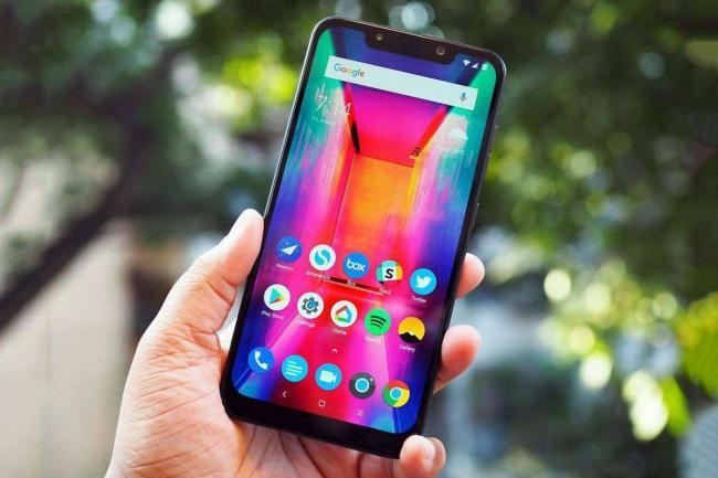 Xiaomi-Pocophone-F1-41.jpg