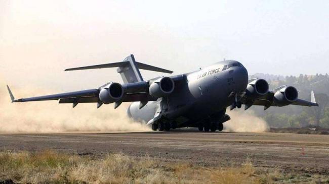 Boeing-C-17-Globemaster-III1.jpg