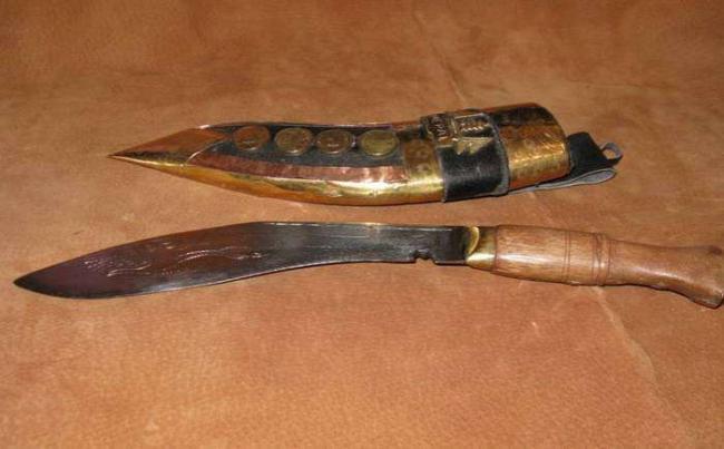 Fascinating-Knives-1.jpg
