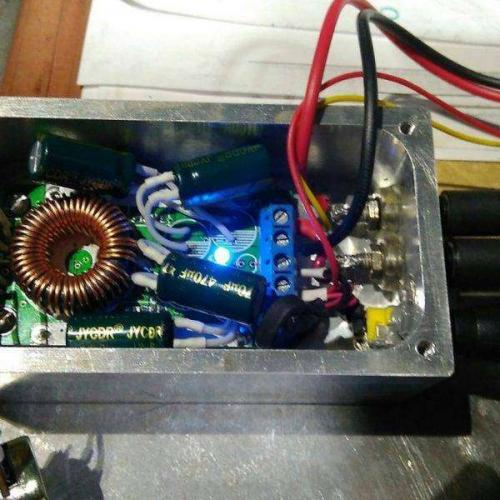 Samodelnyiy-blok-pitaniya-na-12-volt-33-600x600.jpg