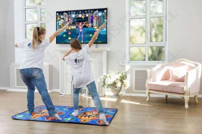 vybiraem-tancevalnyj-kovrik-s-podklyucheniem-k-televizoru.jpg