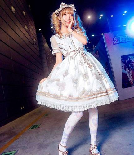 1547555530_lolita-4.jpg