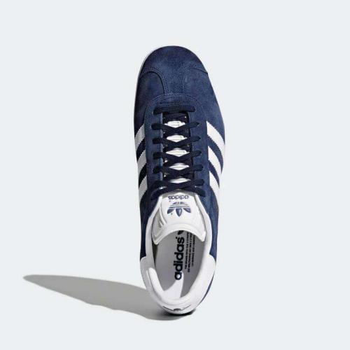 love-footwear-img7-mobile.qgzugndgylho.jpg