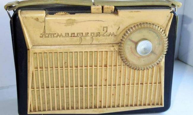 radiopriemniki-vremen-sssr-10.jpg