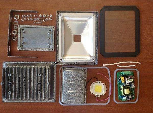 ustrojstvo-svetodiodnogo-prozhektora-2-e1528466645981-600x444.jpg