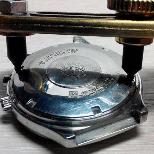 sunmag-4-shtangentsirkul-bezopasnyy-instrument-dlya-otkrytiya-kryshki-chasov.jpg