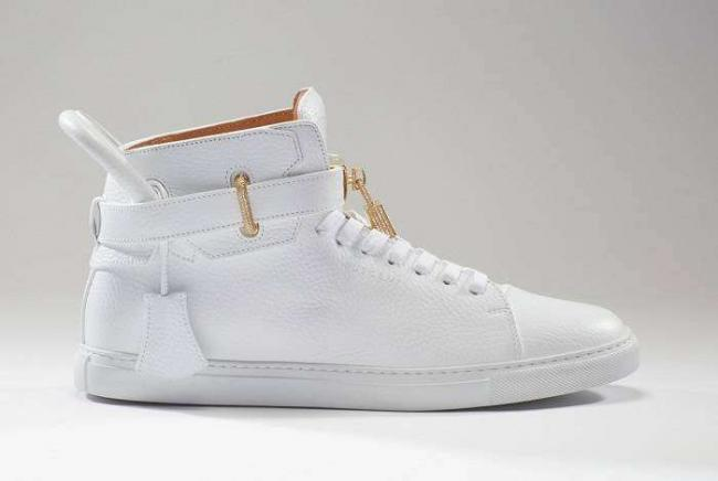 buscemi-diamond-sneakers-06-1200x800.jpg