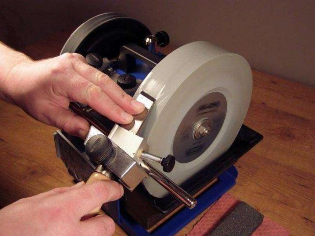 kak-sdelat-nozh-iz-diska-cirkulyarnoj-pily-svoimi-rukami-33.jpg
