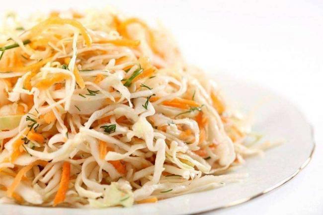 kak-nuzhno-shinkovat-kapustu-na-salat.jpg