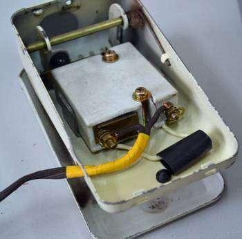 Причины поломки педали швейной машины