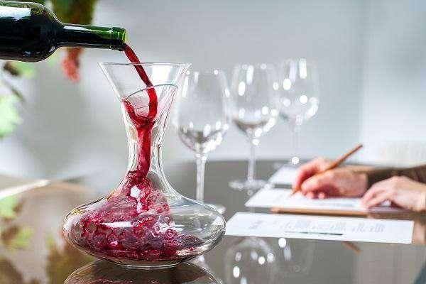 vino-v-dubovoj-bochke-v-domashnih-usloviyah_2.jpg